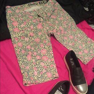 Miss Me Leopard & Flower Print Bermuda shorts